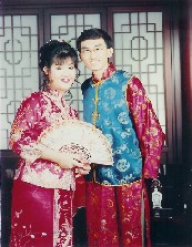 wedding photo in chinese wedding costume