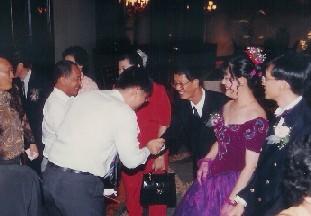 sending off guest at wedding banquet